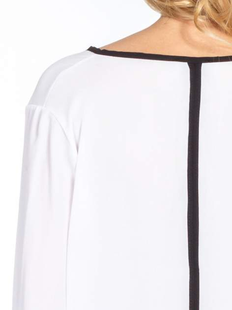 Biała minimalistyczna koszula z czarną listwą                                  zdj.                                  7