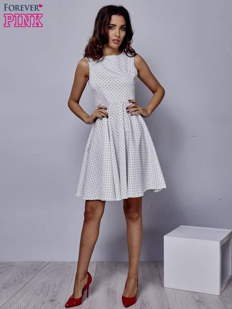Biała rozkloszowana sukienka w groszki                                  zdj.                                  2
