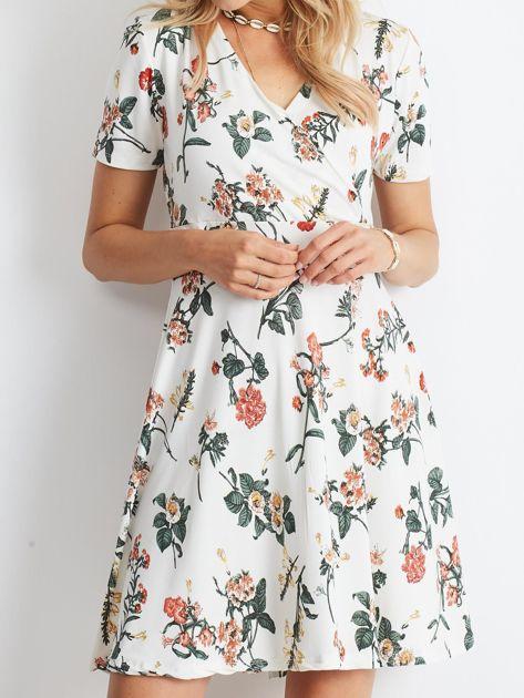 Biała sukienka Impressive                              zdj.                              5