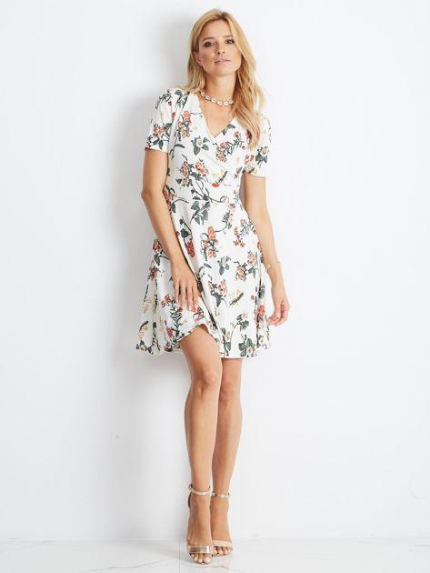 Biała sukienka Impressive                              zdj.                              4