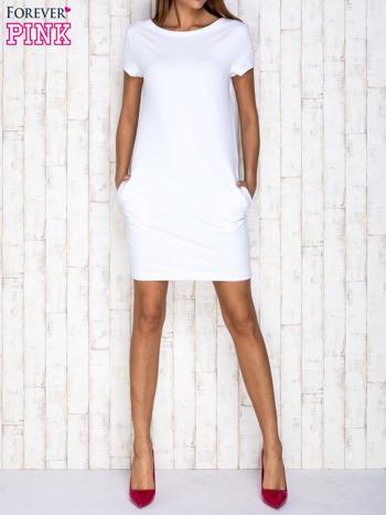 Biała sukienka dresowa z kieszeniami                                  zdj.                                  2