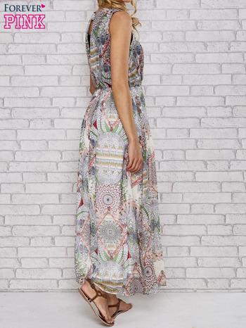 Biała sukienka maxi w ornamentowe wzory z koronką z tyłu                                  zdj.                                  4