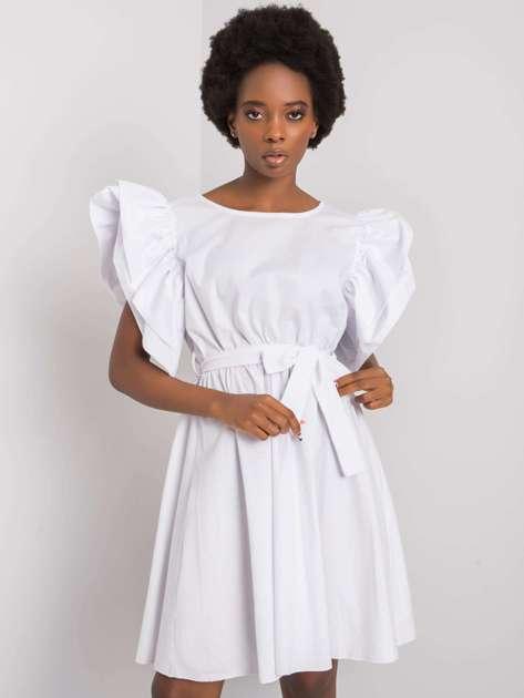 Biała sukienka z ozdobnymi rękawami Sheila