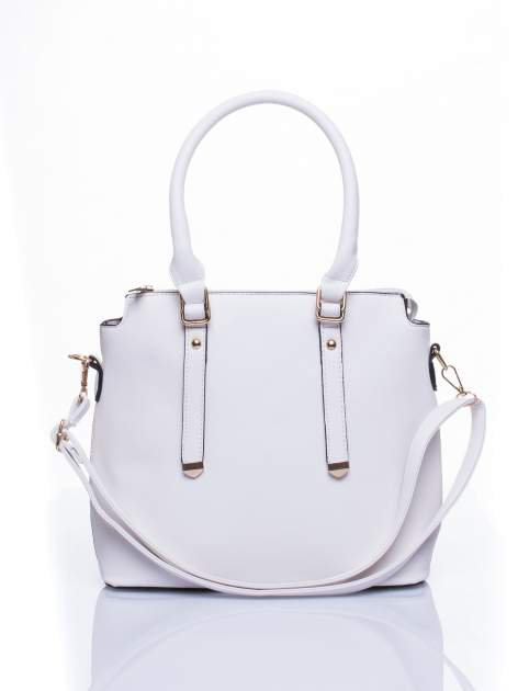 Biała torba na ramię z ozdobnymi detalami