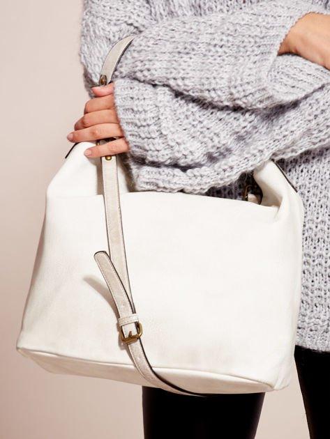 Biała torba z motywem plecionki                              zdj.                              5