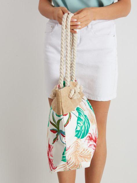 Biała torba z tropikalnym nadrukiem                              zdj.                              2