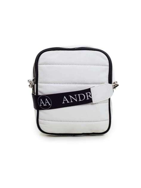 Biała torebka pikowana