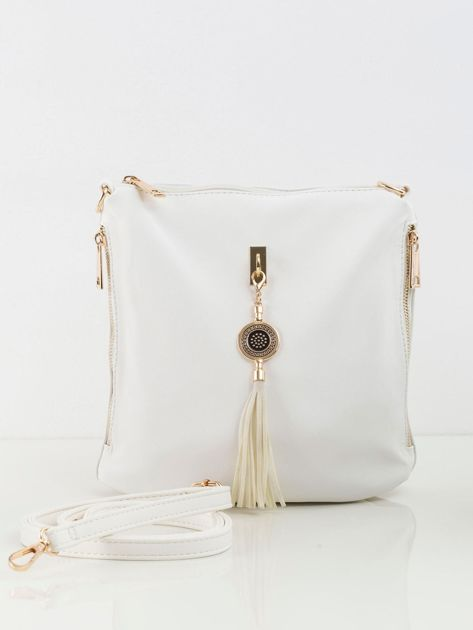 Biała torebka z frędzlem