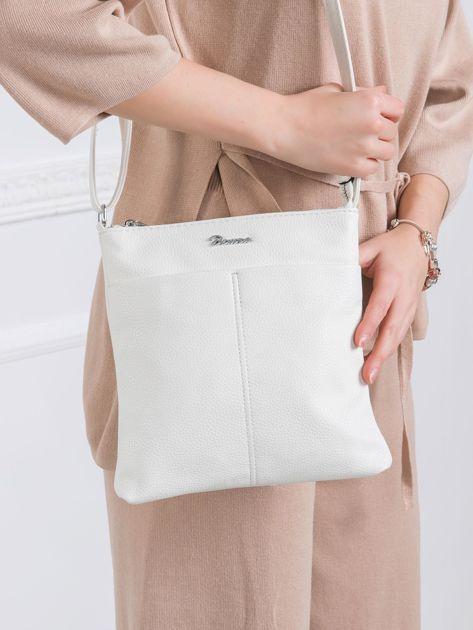 Biała torebka ze skóry ekologicznej