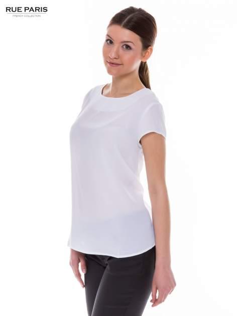 Biała zwiewna koszula z dłuższym tyłem                                  zdj.                                  3