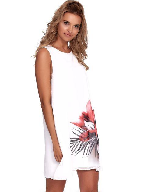 Biała zwiewna sukienka z roślinnym nadrukiem                              zdj.                              1