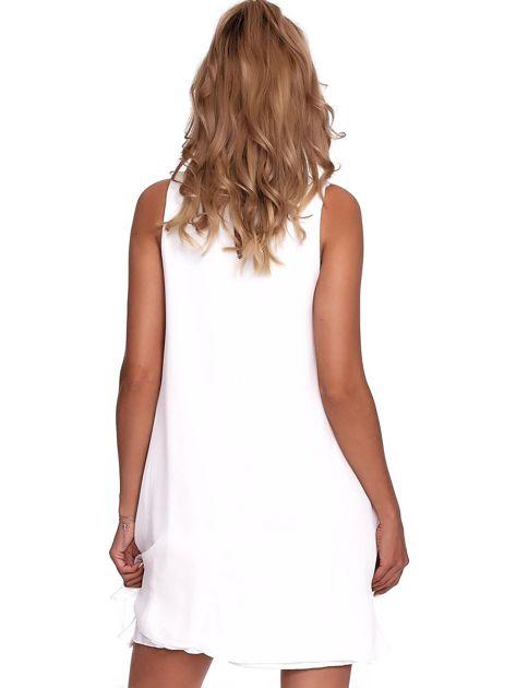 Biała zwiewna sukienka z roślinnym nadrukiem                              zdj.                              2