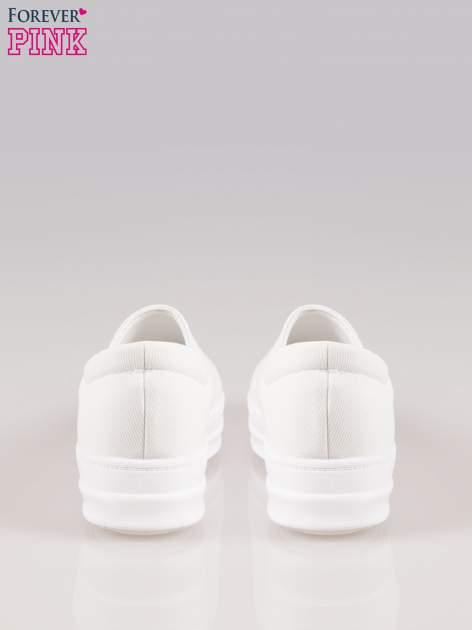 Białe buty slip on na wysokiej podeszwie                                  zdj.                                  3