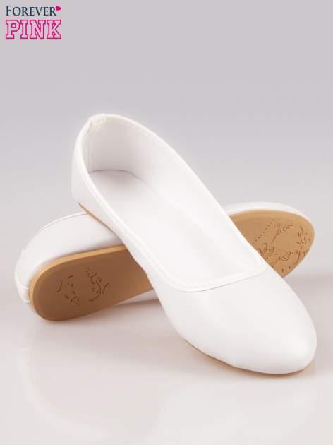 Białe gładkie balerinki eco leather ze skóry ekologicznej                                  zdj.                                  4