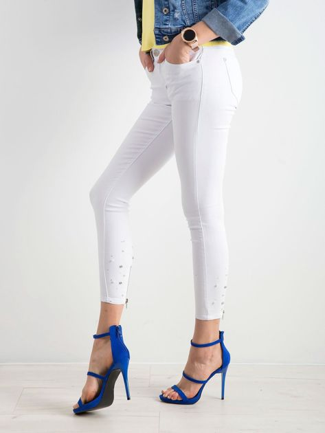 Białe jeansy biodrówki                              zdj.                              3