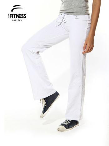 Białe spodnie dresowe z szeroką nogawką FOR FITNESS                                  zdj.                                  2