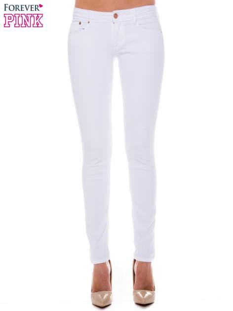 Białe spodnie jeansowe typu rurki                                  zdj.                                  1