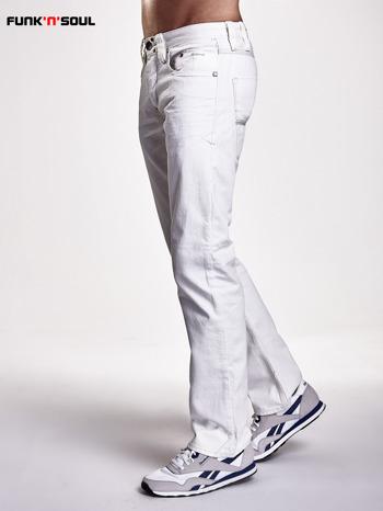 Białe spodnie męskie z ozdobnymi napami Funk n Soul                                  zdj.                                  3