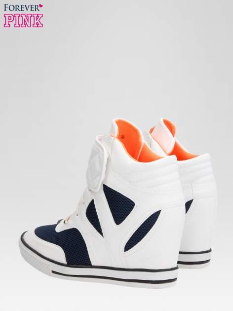 Białe sportowe sneakersy damskie z siateczką                                  zdj.                                  5