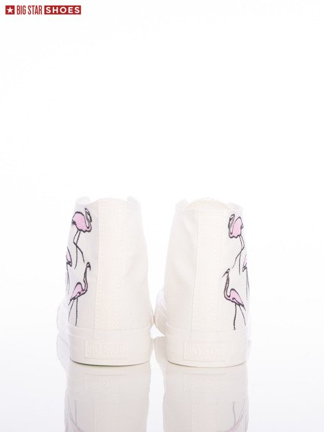 Białe trampki Big Star z wyższą cholewką i haftowanymi wzorami flamingów na boku cholewki                              zdj.                              3