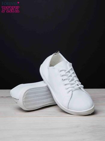 Białe trampki do kostek ze srebrnym paskiem z tyłu Neon                                  zdj.                                  4