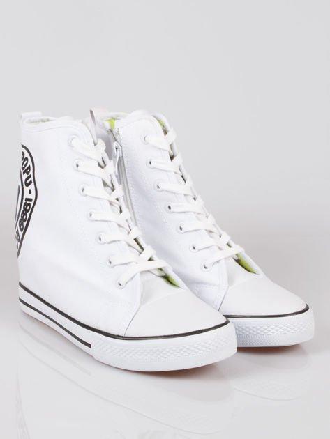 Białe trampki na koturnie sneakersy z logo Joann                                  zdj.                                  2