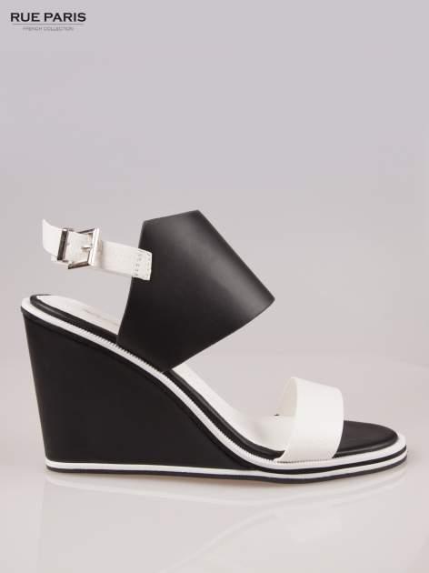 Biało-czarne koturny faux leather Genteel two tone z odkrytą piętą                                  zdj.                                  1