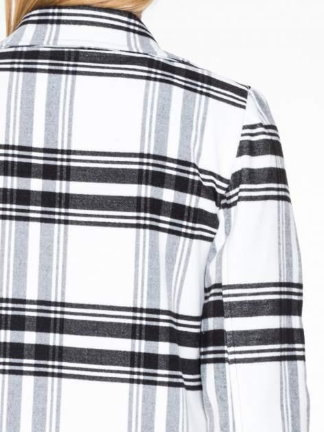 Biało-czarny wełniany płaszcz w kratę zapinany na jeden guzik                                  zdj.                                  7