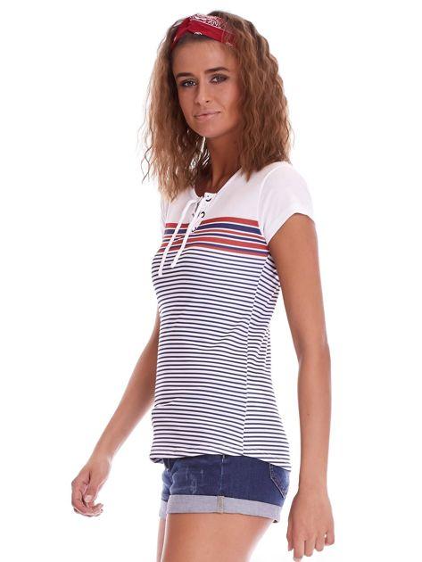 Biało-granatowy t-shirt w paski                              zdj.                              5