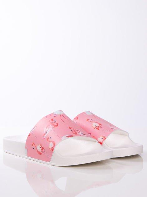 Biało-różowe klapki z ozdobnym nadrukiem w flamingi                               zdj.                              3