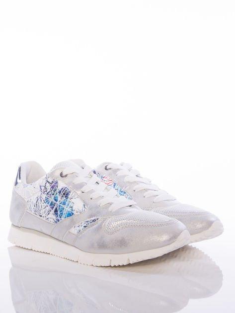 Białoperłowe buty sportowe Vinceza z kwiatowym motywem na boku cholewki                                  zdj.                                  2