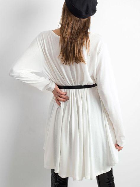 Biały asymetryczny sweter                               zdj.                              2