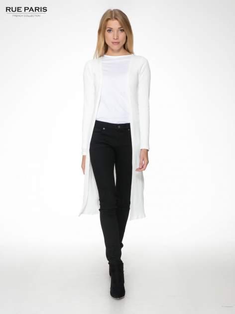 Biały długi prążkowany sweter kardigan                                  zdj.                                  2