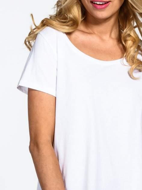 Biały gładki t-shirt z okrągłym dekoltem                                  zdj.                                  5