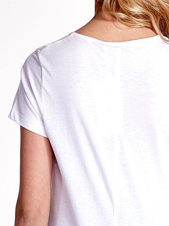 Biały gładki t-shirt z rozcięciami na bokach                                  zdj.                                  5