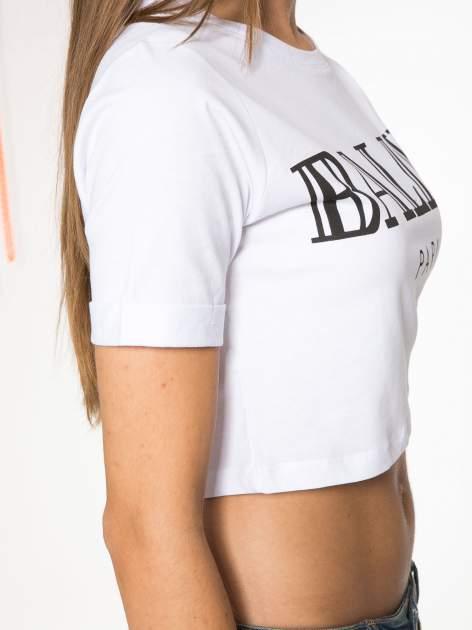 Biały krótki t-shirt przed pępek z napisem BALLIN PARIS                                  zdj.                                  8