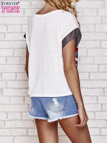 Biały kwiatowy t-shirt ze skórzanymi rękawami                                  zdj.                                  4