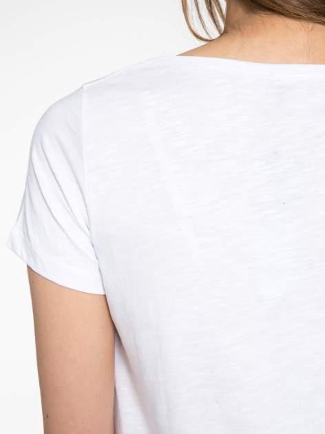 Biały półtransparentny t-shirt basic                                  zdj.                                  8