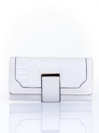 Biały portfel z motywem skóry aligatora