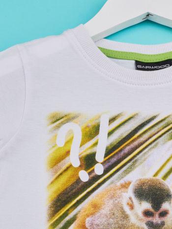Biały t-shirt chłopięcy z małpką                                  zdj.                                  3