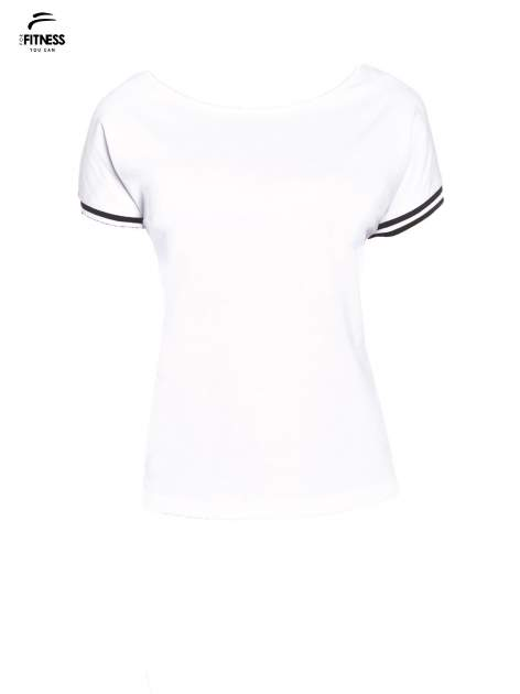 Biały t-shirt damski ze sportową lamówką                                  zdj.                                  2