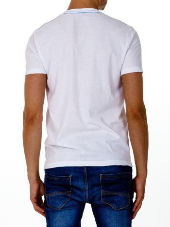 Biały t-shirt męski z marynarskim motywem i napisem SAILING                                  zdj.                                  5