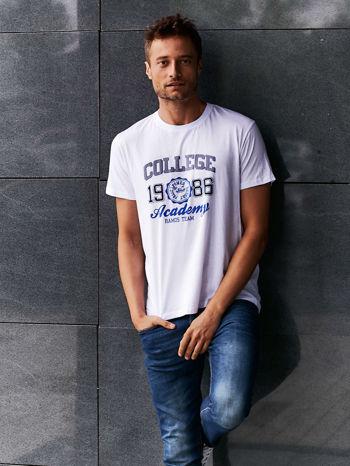 Biały t-shirt męski z nadrukiem i napisem COLLEGE 1986                                  zdj.                                  6