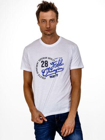 Biały t-shirt męski z napisem CHAMPION i liczbą 28                                  zdj.                                  2