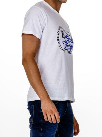 Biały t-shirt męski z napisem CHAMPION i liczbą 28                                  zdj.                                  4