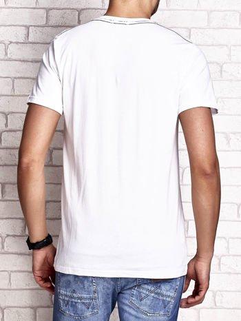 Biały t-shirt męski z napisem RAMOS i nadrukiem                                  zdj.                                  2