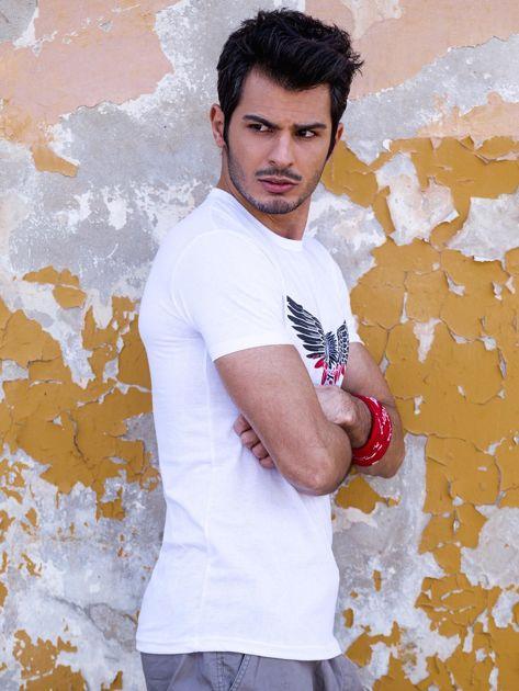 Biały t-shirt męski z orłem                              zdj.                              5