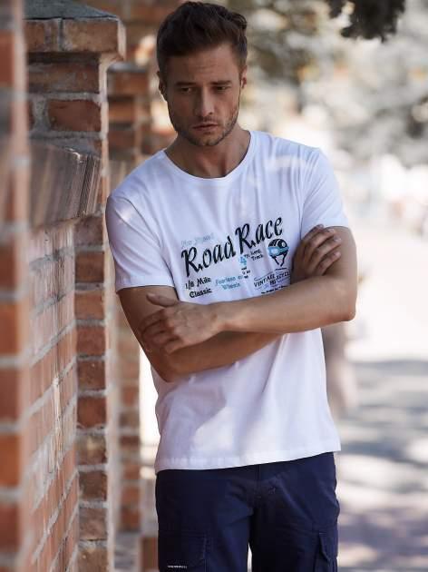 Biały t-shirt męski z wyścigowym napisem ROAD RACE