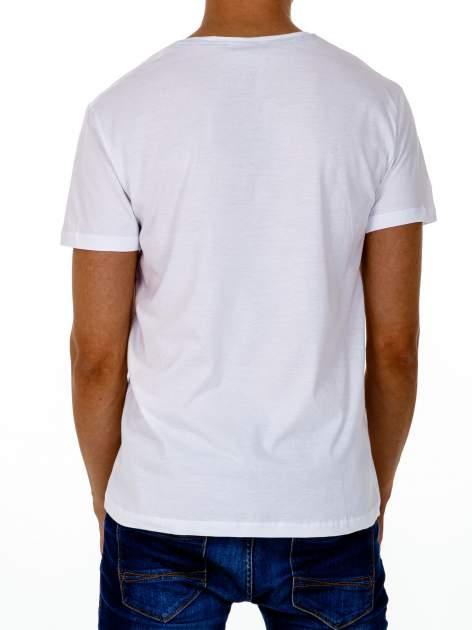 Biały t-shirt męski z wyścigowym napisem ROAD RACE                                  zdj.                                  5