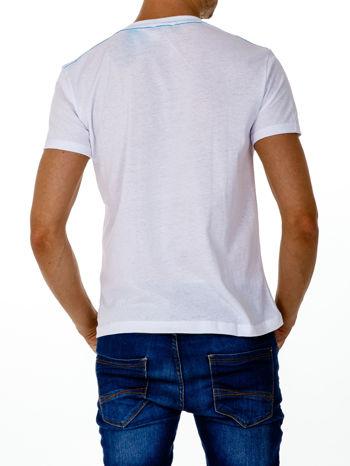 Biały t-shirt męski ze sportowym nadrukiem i napisem SUPERIOR                                  zdj.                                  3